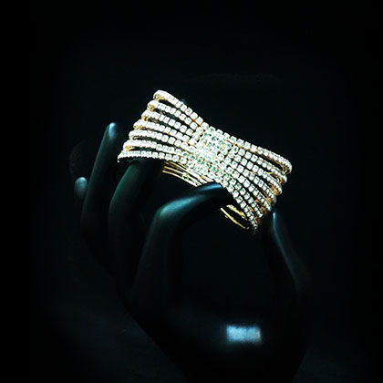 1/7 CT. Diamond Contour Band in 14K Gold